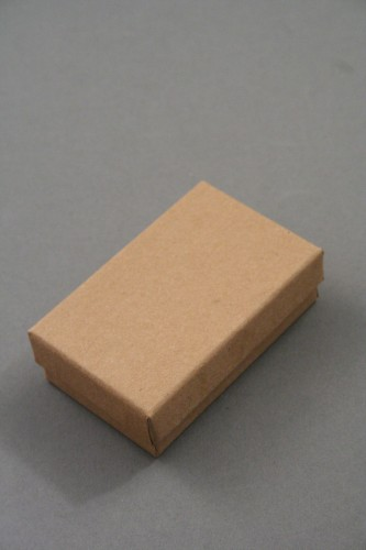 Natural Brown Paper Gift Box. Approx Size: 8cm x 5cm x 2.5cm. This Box has a Black Flocked Foam Pad Insert